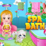 Bébé Hazel prenant un bain